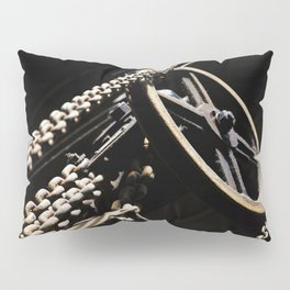 Block and chain Pillow Sham