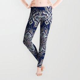Arabesque floral pattern – Oriental paisley motif from Persian Rug Leggings