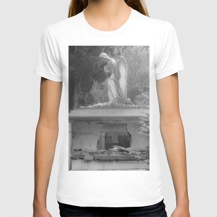 angel on the grave T-shirt