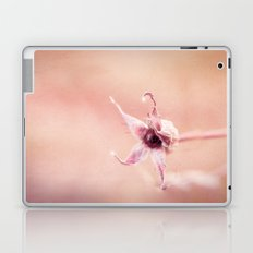 FADING BEAUTY Laptop & iPad Skin