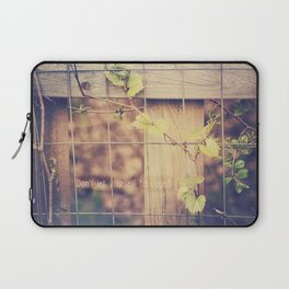 Don't Let Yourself be Caged Laptop Sleeve