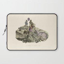 Lima. Bear and maiden. Laptop Sleeve