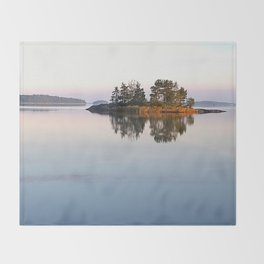 Peace of mind Throw Blanket
