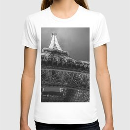 Eiffel Tower 2 (Black and White) T-shirt