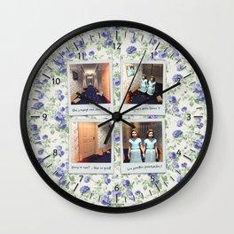 Jumelles et Chocolat Wall Clock