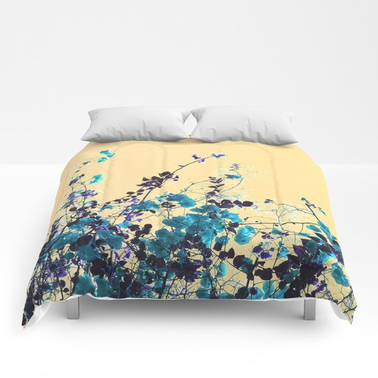 Vibrant Turquoise Blooms Comforters
