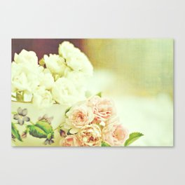 Roses and teacup Canvas Print
