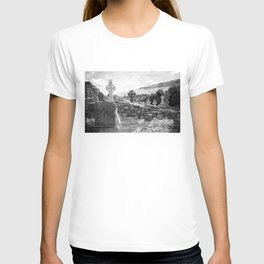 Halloween Graveyard | Horror | Black and White Cemetery | Gothic Graves | T-shirt