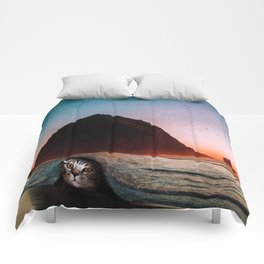 cat and the sea Comforters
