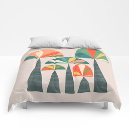 Quirky retro palm trees Comforters
