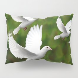THREE CONTEMPORARY WHITE  DOVES IN GREEN Pillow Sham