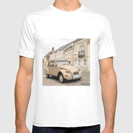 Vintage car in old village I Rue, France I Photography T-shirt