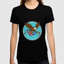 American Eagle Clutching Towing J Hook Flag Drape Circle Retro T-shirt