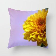 Chrysanthemum solitaire 8598 Throw Pillow