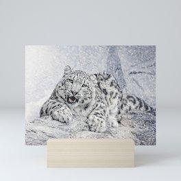 panthera uncia Mini Art Print