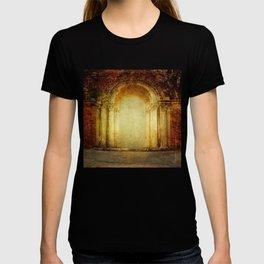 Vintage traditional old fort main gate design T-shirt