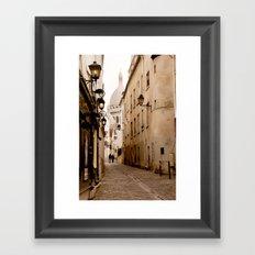 A walk to the Sacré Coeur Framed Art Print