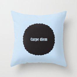 Carpe diem sininen Throw Pillow