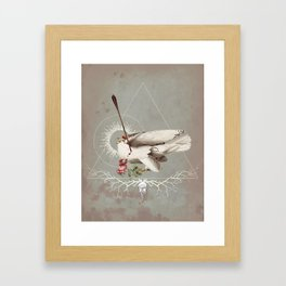 Meme les oiseaux meurent /1 Framed Art Print