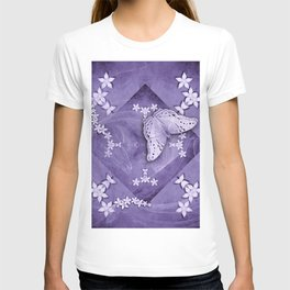 Flowers and butterfly with swirling fractal T-shirt