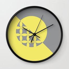 G - O/Metric Take sides Wall Clock