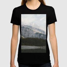 Airy Mountain Lake - Landscape Photography T-shirt