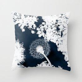 Diente de León Throw Pillow