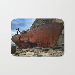 On the rocks Bath Mat