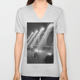 New York Grand Central Train Station Terminal Black and White Photography Print Unisex V-Neck