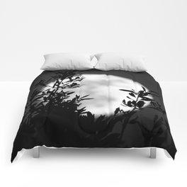 Full Moon Leaves Comforters