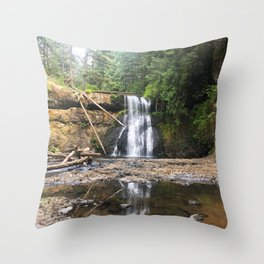 upper north Throw Pillow