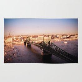 Szabadság híd Rug