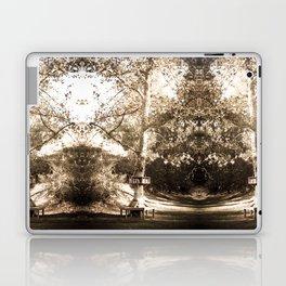 READING TREE Laptop & iPad Skin