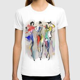 Fashion girls walk down the street T-shirt