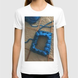 knit, knitting, royal blue, leg warmer, knitting, needles, blue, yarn, blue yarn, quilt, T-shirt