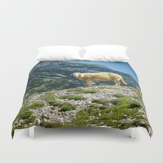 Sheep on the hill Duvet Cover