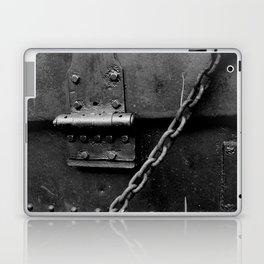 closure Laptop & iPad Skin