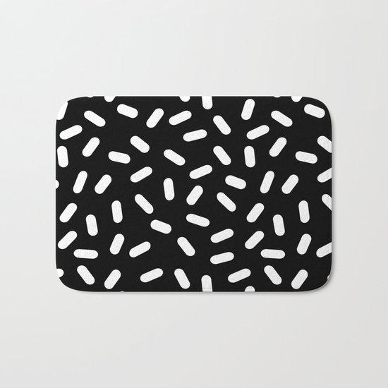Bingo - black and white sprinkle retro modern pattern print monochromatic trendy hipster 80s style Bath Mat