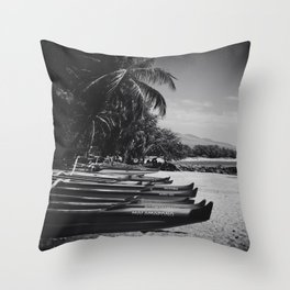 Sugar Beach Hawaiian Outrigger Canoes Kihei Maui Hawaii Throw Pillow