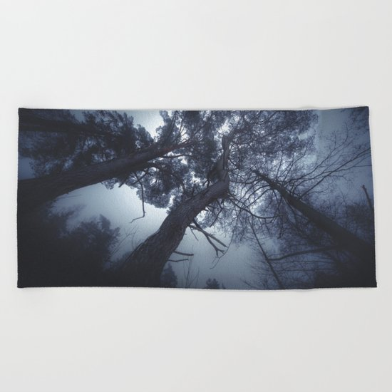 How low will you go Beach Towel