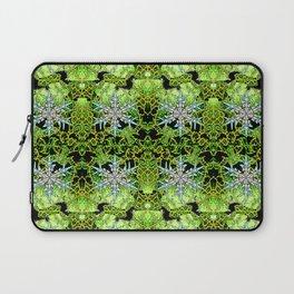 GREEN AURORA WINTER SNOWFLAKES PATTERN Laptop Sleeve