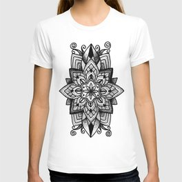 Mandala Curley T-shirt