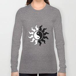 Yin Yang symbol sun in black white Long Sleeve T-shirt