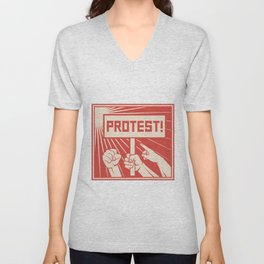 protest design - lots of furious people (man holding transparent, demonstrations) Unisex V-Neck