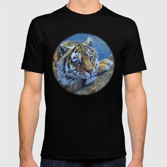 Tiger on the rock CC117 T-shirt