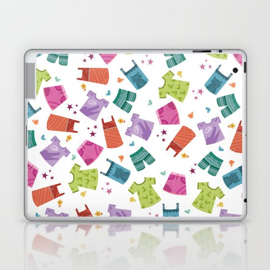 HER CLOTHES Laptop & iPad Skin