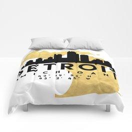 DETROIT MICHIGAN SILHOUETTE SKYLINE MAP ART Comforters