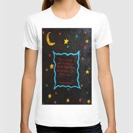 She is like a cat in the dark. T-shirt