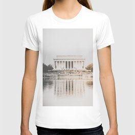 Lincoln Memorial at Dusk T-shirt