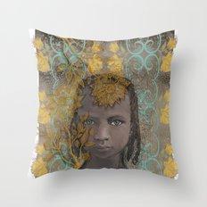 Berber girl Throw Pillow